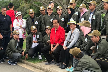 Santri Trensains Ikut Dampingi Presiden Jokowi ke Australia
