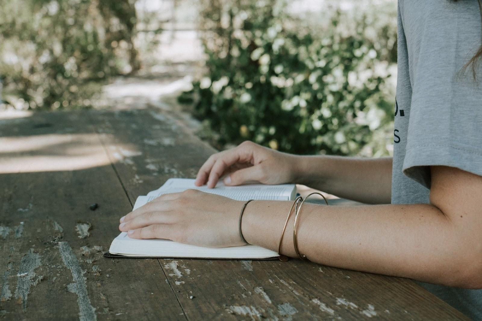 3 idées de livres pour vous évader avant la rentrée