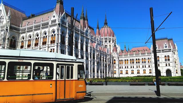Linia tramwajowa nr 2 w Budapeszcie