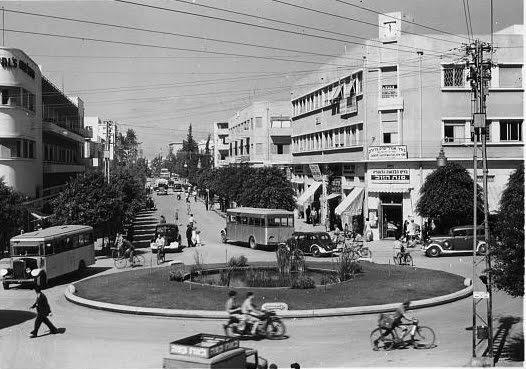 מתוחכם תומר שלוש // : אורבניזם בתל אביב: 7 - כיכר דיזנגוף ועוד כיכרות OJ-54
