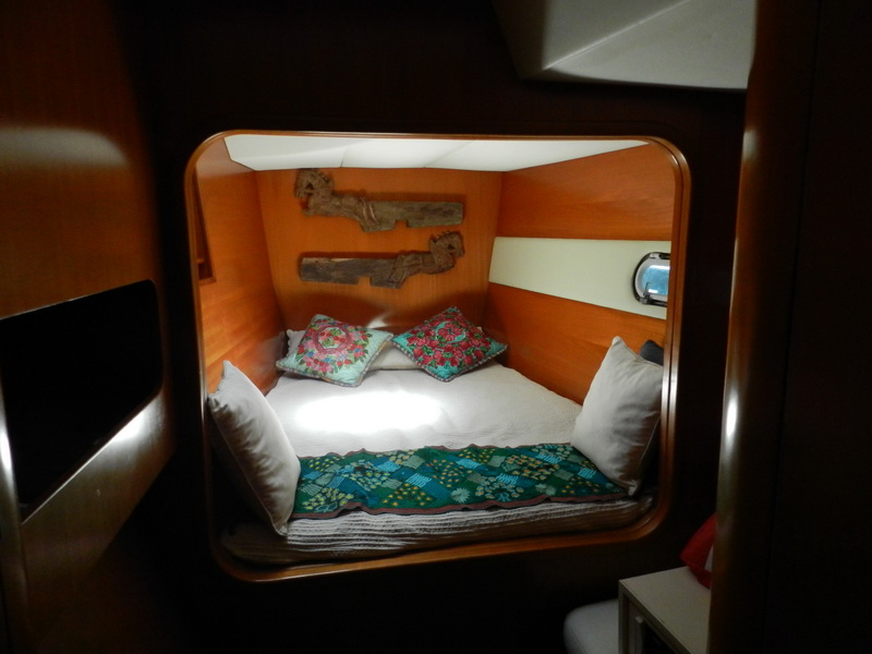 Catamaran smal bedroom