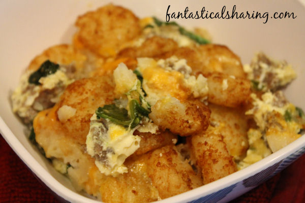 Tatortot Egg Bake // Breakfast casserole with tatortots -- it doesn't get much better than that! #breakfast #tatortot #egg #sausage #recipe