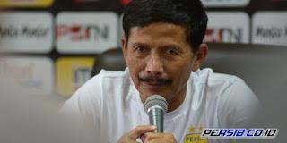 Djanur Janjikan Kejutan dalam Meramu Skuat Persib Bandung