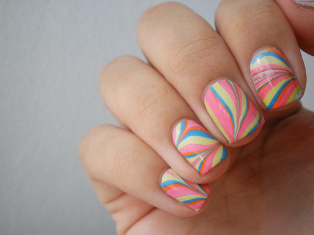 como decorar uñas para fiesta