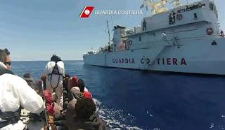 τα ιταλικά πλοία μπορούν να επεμβαίνουν στα χωρικά ύδατα της Λιβύης