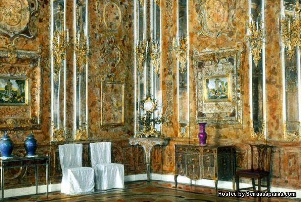'Amber' Catherine Palace by Bartlomiej Plebanczyk