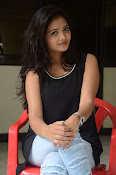 Shreya Vyas new glamorous photo session-thumbnail-6