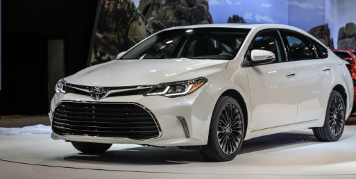 2017 Toyota Avalon Hybrid Review