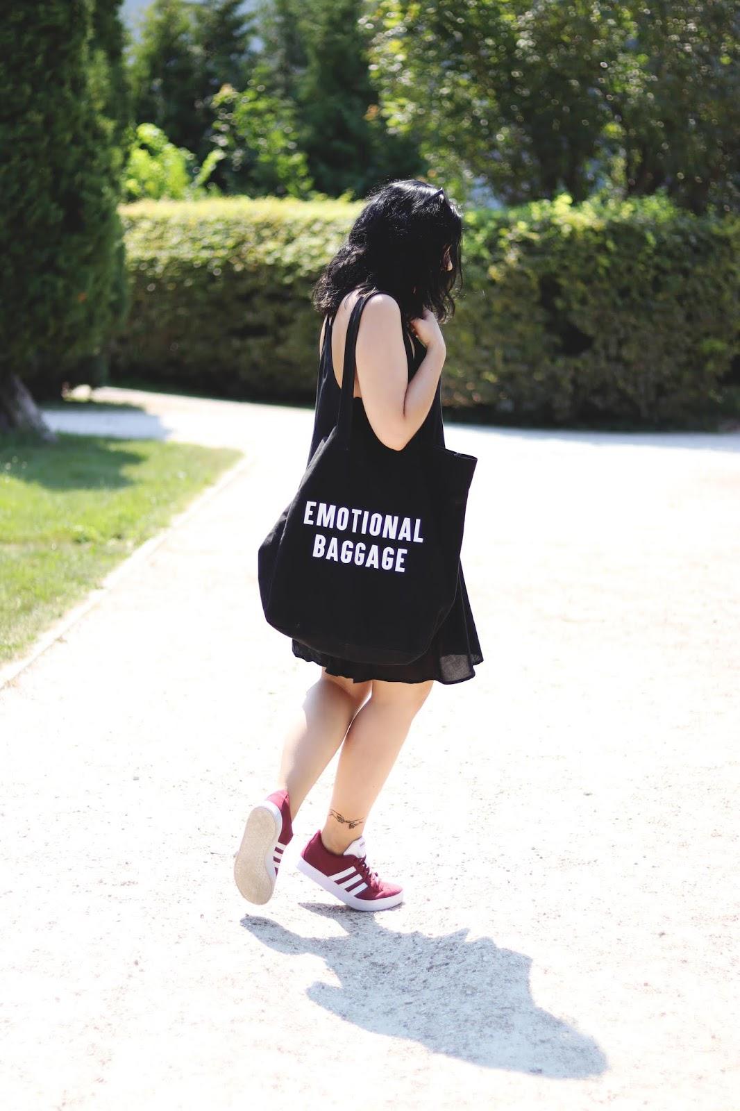 Czarna materiałowa torba shopper Emotional Baggage Cropp