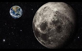 """Novas evidências derrubam principal teoria sobre o surgimento da Lua. Desde a década de 70, acredita-se na hipótese do """"Grande Impacto"""", segundo a qual a Lua teria surgido a partir de um choque do protoplaneta Theia com a Terra."""