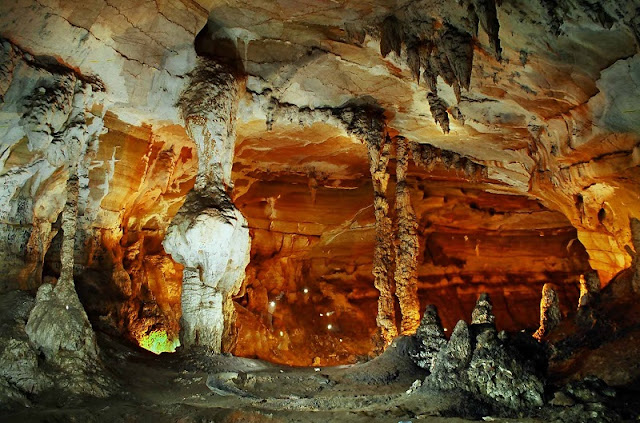 Quang Binh denies building cable to famous cave1
