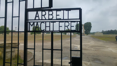 שער הכניסה למחנה זקסנהאוזן