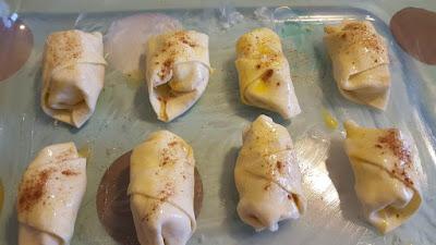 Mini apple croissants recipe