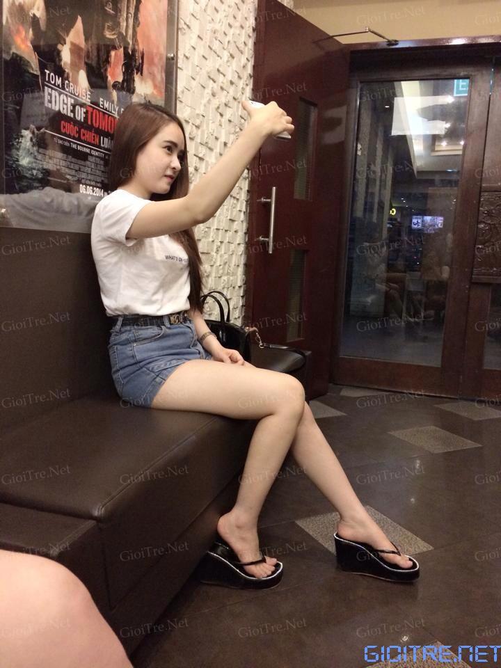 Khánh Linh: Lùn nhưng phụ tùng tốt :))