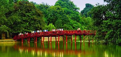 danau hoan kiem vietnam