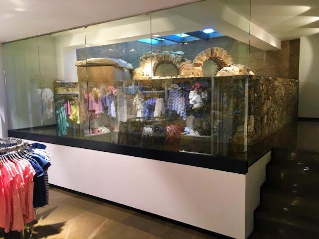 zara Roman tombs in Zara store  © Camille Gazeau