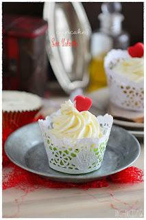 Cupcakes san valentín- Como hacer wrapper (envoltorio casero) y toppers para cupcakes.