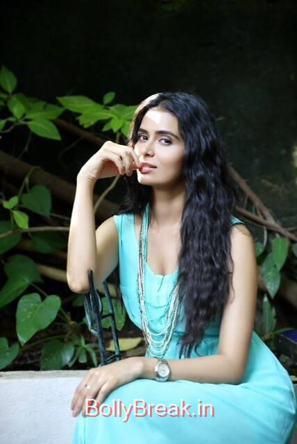 Meenakshi Dixit Photo Gallery, Meenakshi Dixit Hot HD Pics From Latest  Photoshoot