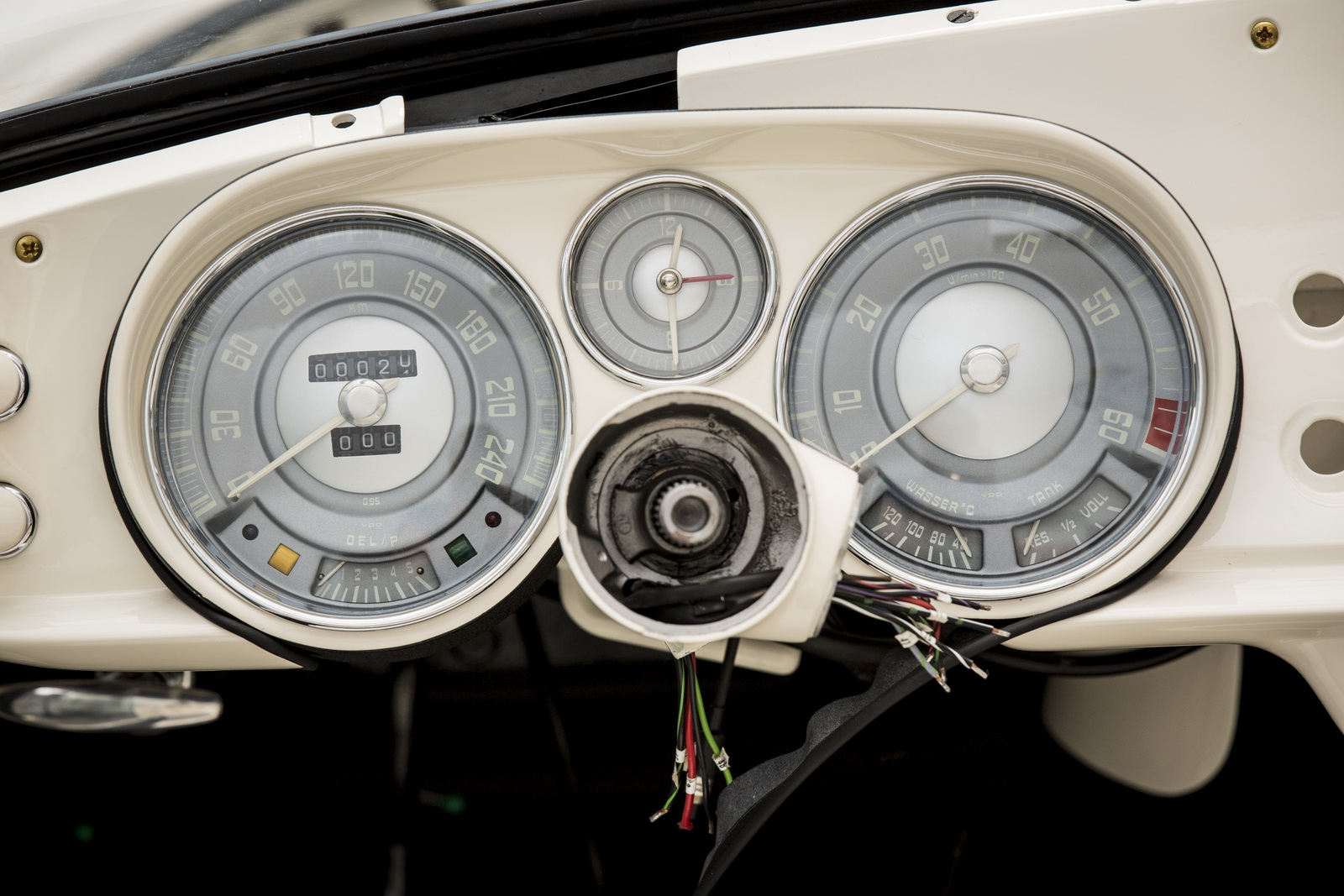 Elvis-BMW507-11.jpg