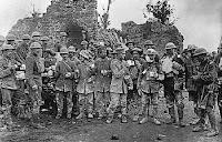 Tropas canadienses tras la batalla