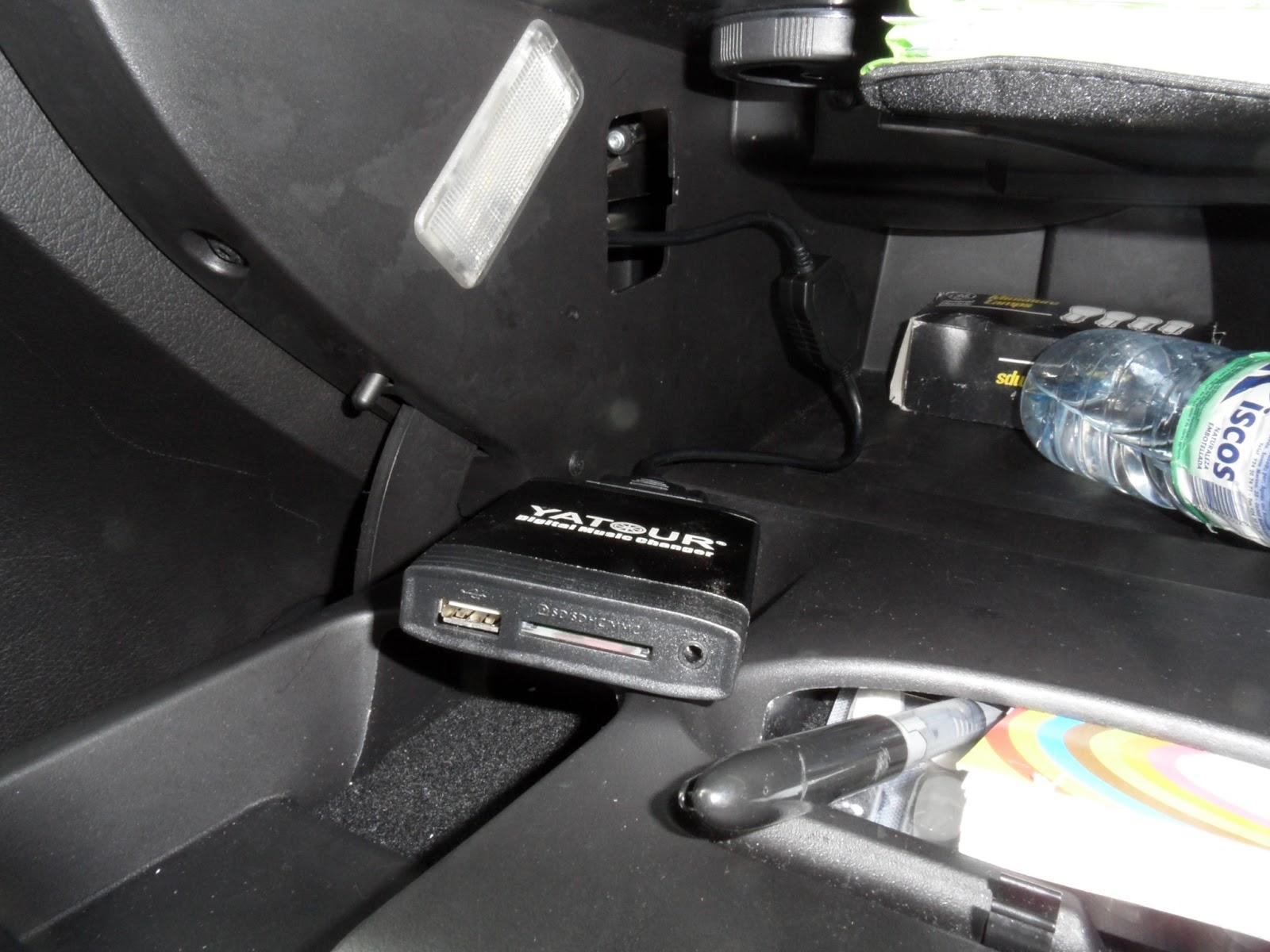Mis enredos pensamientos y actividades instalaci n de un mp3 simulador de cargador de cds en - Instalar puerto usb en coche ...