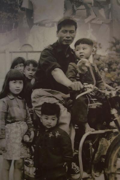 黑金釀造館裡收藏了大同醬油珍貴的文物與相片,彷彿是台灣歷史的縮影。