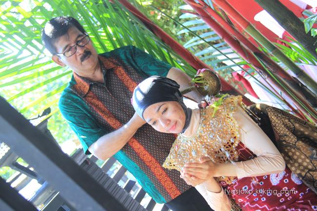 Foto Liputan Pernikahan Tyas & Joko | Bag.1 - Foto Siraman Tyas | Klikmg.com Fotografer Pernikahan Purwokerto