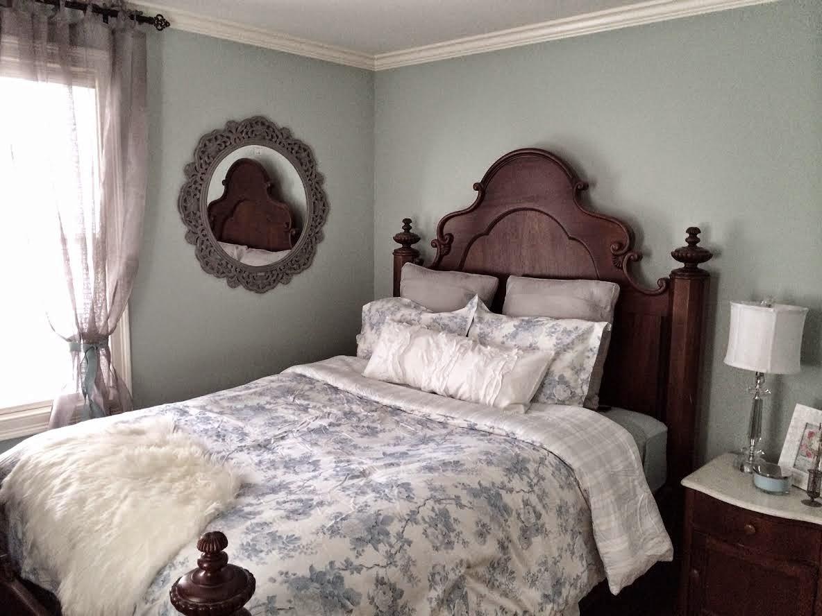 Maison Decor: Blue And Grey For A Pretty French Farmhouse