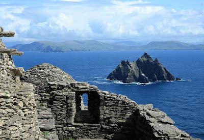 Visit-Skellig-Michael-in-Ireland.jpg