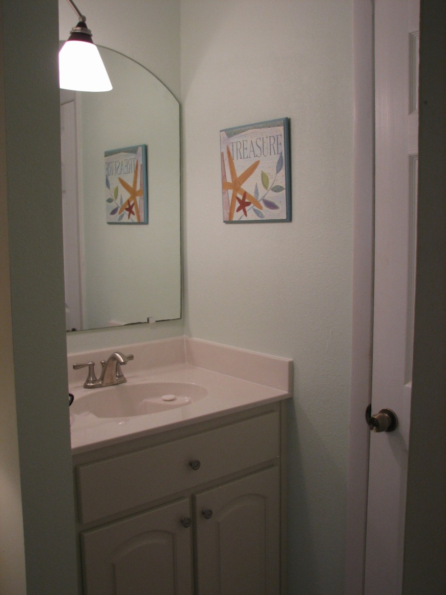 Bedroom Vanities: A New Female's Best Buddy