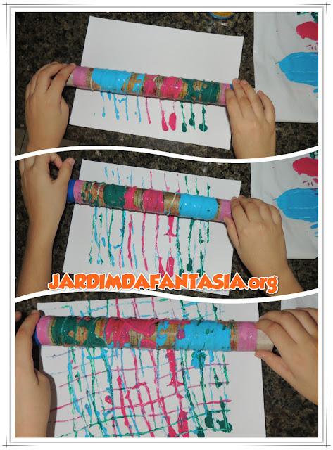 Artes Pintura com Rolo de Papel Toalha e Barbante