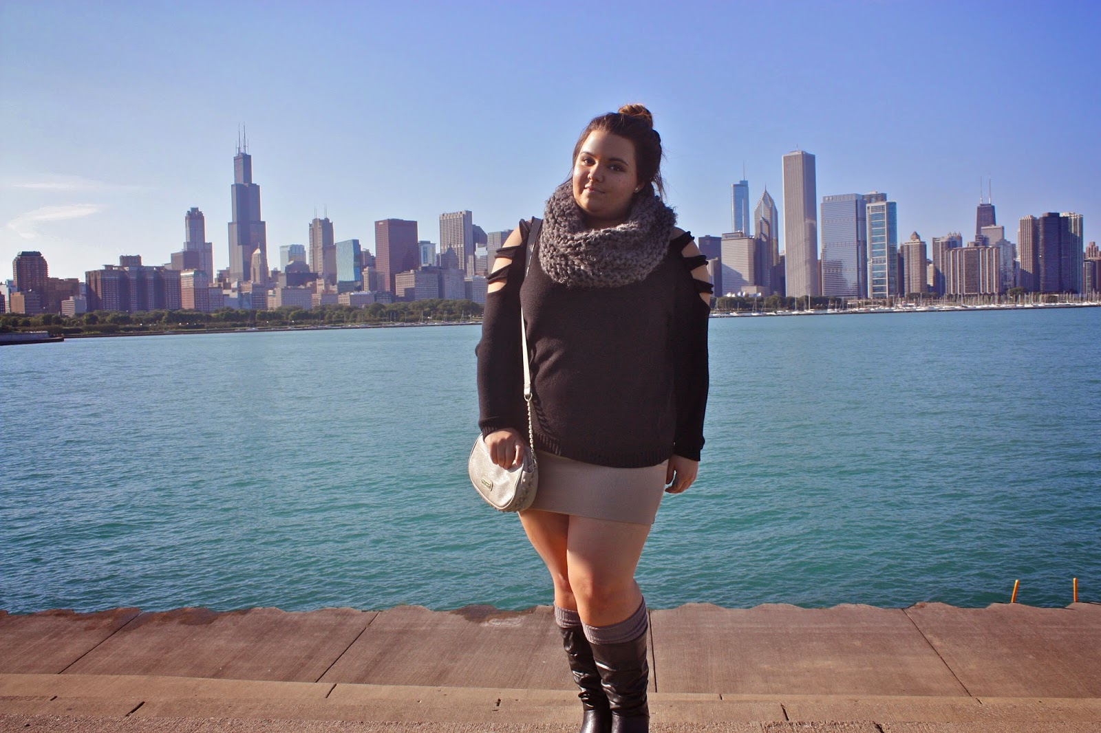 belong to the city, boots, Chicago, chicago skyline, infinity scarf, knee-high socks, Natalie Craig, natalieinthecity, nude skirt, partynextdoor, sweater cut outs, top knot, fall fashion, fall trends, bulky scarves, fashion blogger, plus size fashion, plus size fashion blogger