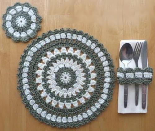 Round Placemat, Coaster & Napkin Ring - Free Pattern