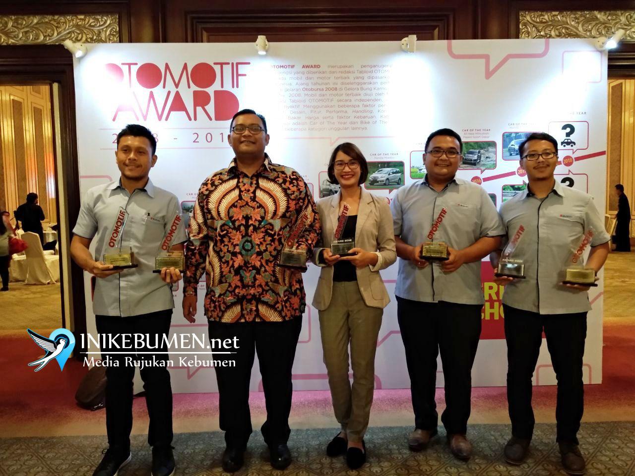 Ignis dan New SX4 S-Cross Raih Penghargaan Otomotif Award 2018