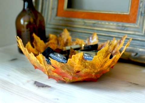 Nothing says fall more than this gorgeous leaf bowl from The Hello Lucky Blog -- such a cool project that's super easy to DIY
