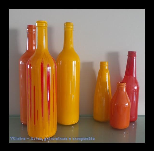 ARTESANATO; DECORAÇÃO; GARRAFAS; RECICLAGEM; pintura em garrafas; arte com garrafas; reutilizando garrafas; lixo é luxo