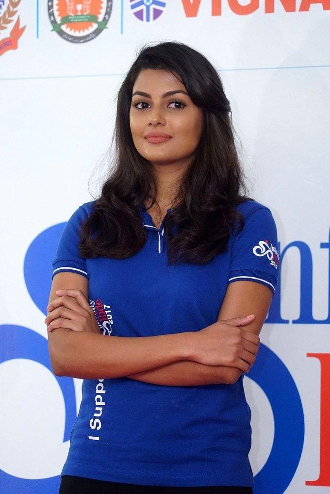 Beautiful Telugu Girl Anisha Ambrose Long Hair In Blue T shirt Jeans