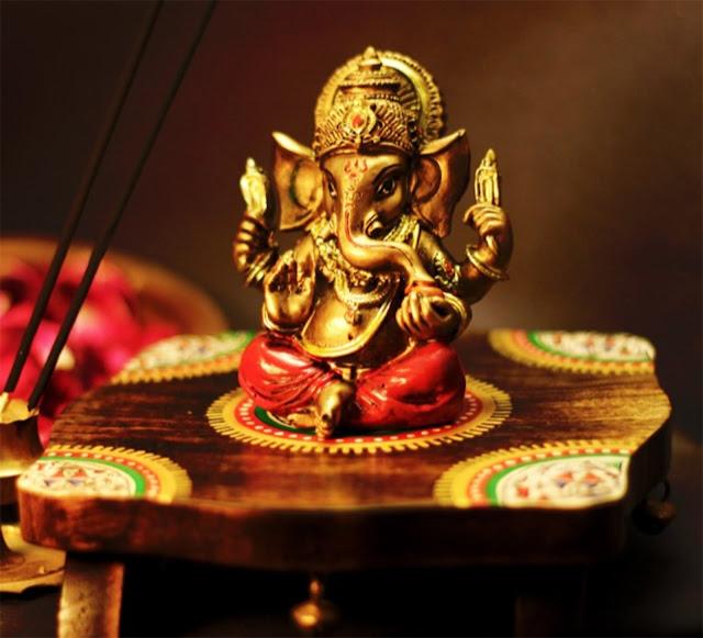 Ganesha on Chowki Set