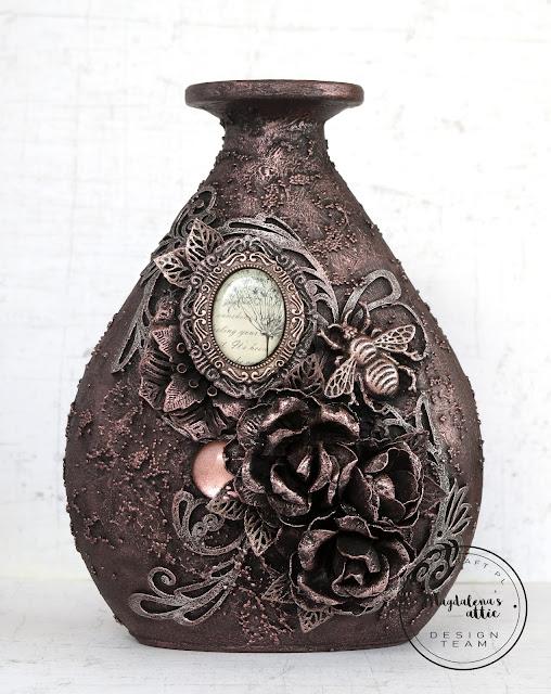 Alterowany wazon