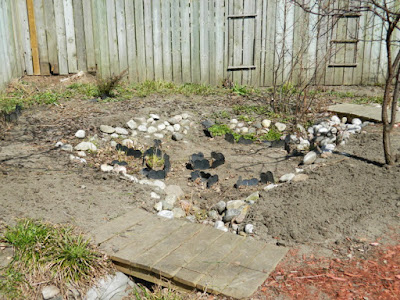 Toronto Riverdale spring garden clean up after by Paul Jung Gardening Services