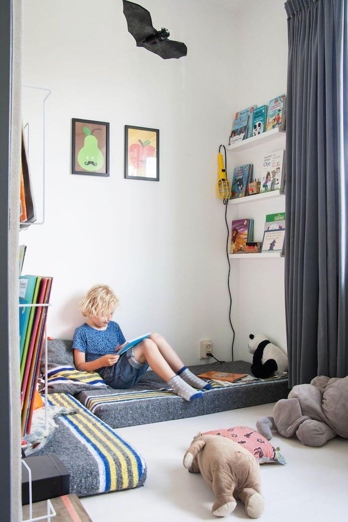 rincón lectura dormitorio de los niños