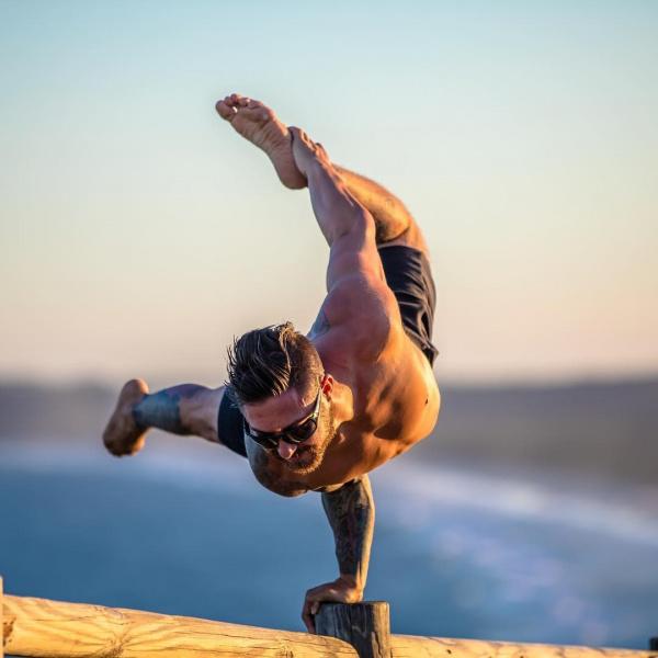 4 sai lầm thường gặp trong lớp Yoga nam giới
