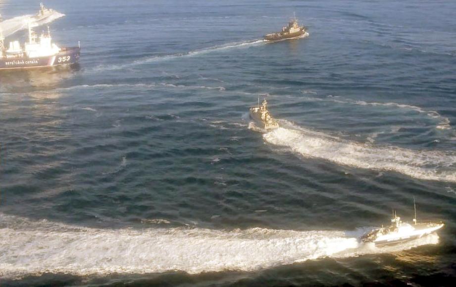 Російський корабель протаранив у морі  буксир ВМСУ