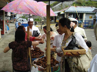 Salak Bali, Pay attention to when buying fruits in Besakih area, Bali