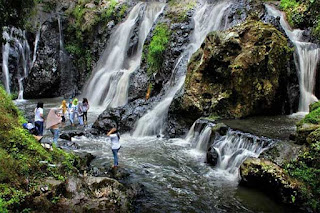 wisata alam air terjun maribaya bandung