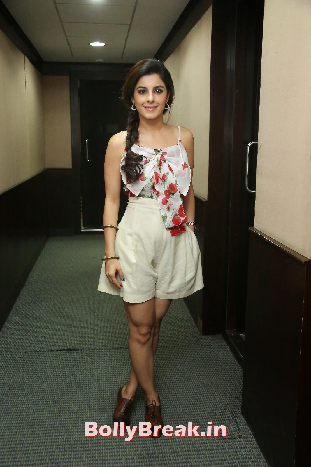 Isha Talwar (3), Isha Talwar Cute Pics - Beautiful South Actress