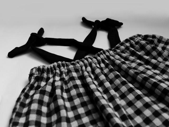 jak uszyć spódniczkę na szelkach,