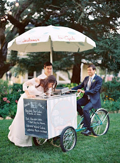 http://bridalmusings.com/2014/10/10-food-truck-ideas-weddings/