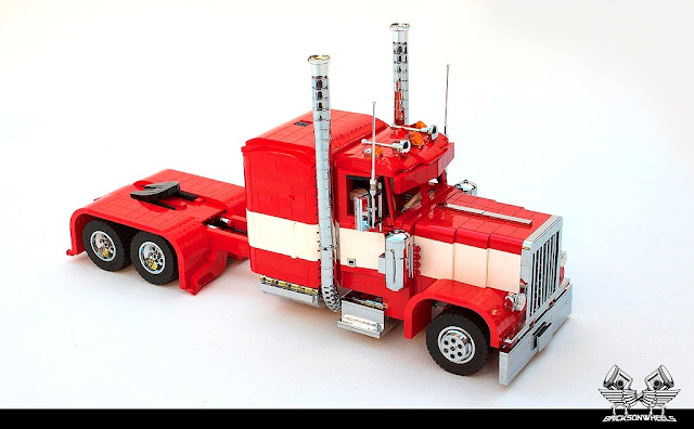 https://www.flickr.com/photos/bricksonwheels/28991648201/