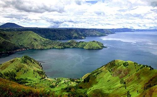 Danau Toba Provinsi Sumatra Utara - Raimondwell.com